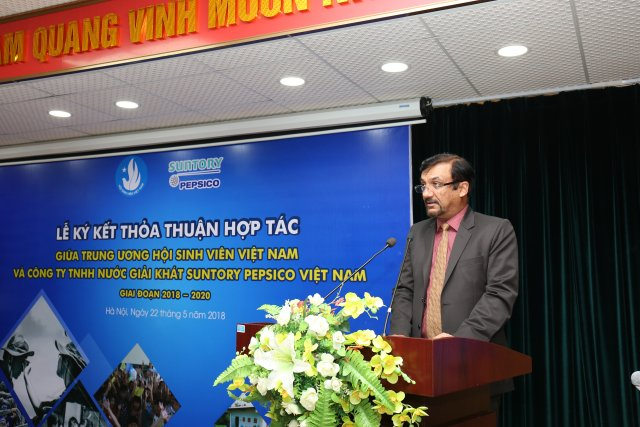 Mr. Uday Shankar Sinha, CEO of Suntory PepsiCo Vietnam, was speaking at the signing ceremony (Photo: Suntory PepsiCo Vietnam)