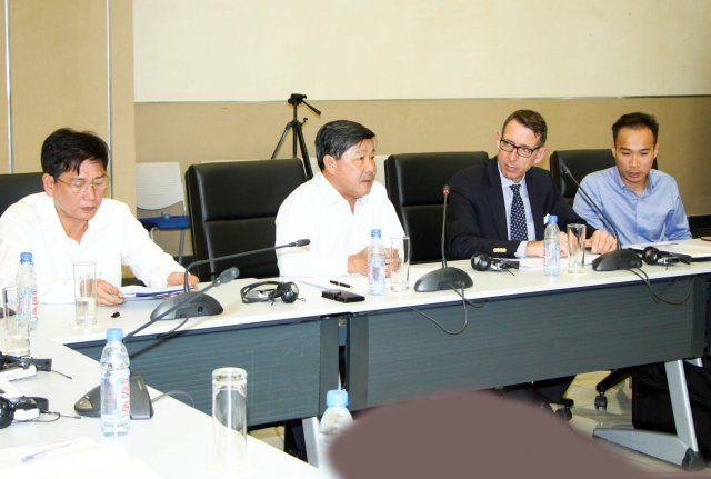 Horasis Chairman Dr. Frank (2nd from right)  in a meeting with leaders of Binh Duong province in preparation for the Horasis Asia Meeting 2018 (Photo: Bemamex)