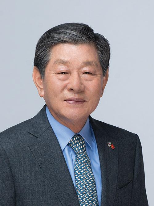 Mr. Kim Heung Soo,  Chairman, KoCham Vietnam