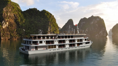 Paradise Group launches new Ha Long Bay cruise ships