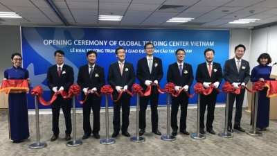 Shinhan Bank launches Global Trading Center in Vietnam