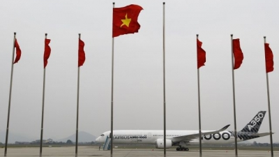 New A350-1000 lands in Hanoi on Demonstration Tour
