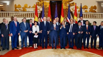 US-Vietnam sign five business agreements and MoUs