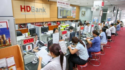 MoneyGram shakes hands with HD Bank