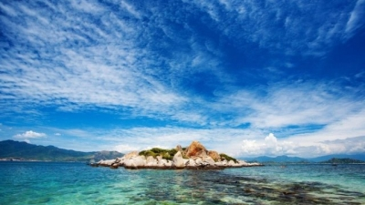 Cam Ranh Bay among world's top 7 destinations in May