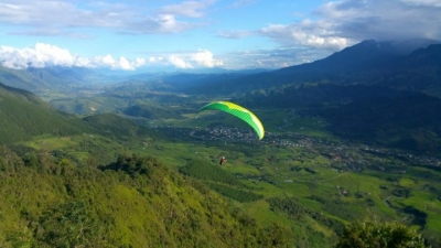 First international paragliding competition on horizon