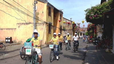 Hoi An pilots bicycle sharing