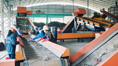 ADB to help Da Nang develop waste treatment solutions