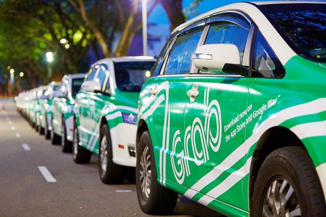 Grab, Uber carpool services banned in Hanoi