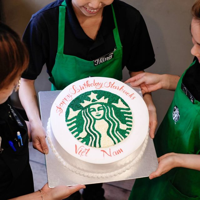 Starbucks celebrates 5th anniversary