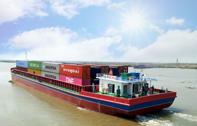 Barge transport cuts costs