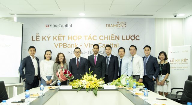 VPBank partners with VinaCapital to provide investment options
