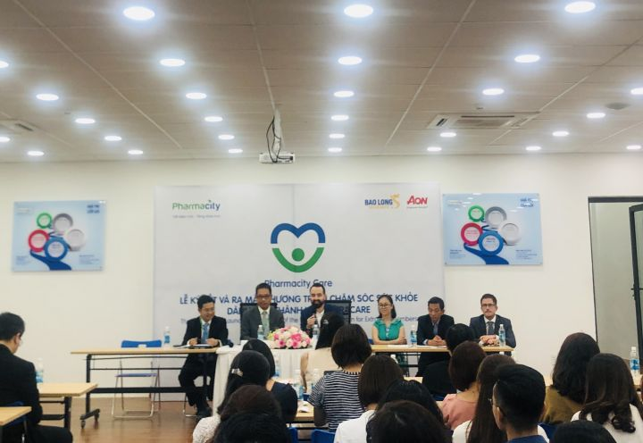 Pharmacity & Bao Long Insurance launch healthcare program